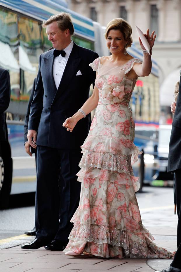 King Willem-Alexander and Queen Máxima are seen ahead of the wedding between Crown Princess Victoria of Sweden and Daniel Westling at on June 18, 2010 in Stockholm, Sweden. (Photo by Adam Osterman/Getty Images)